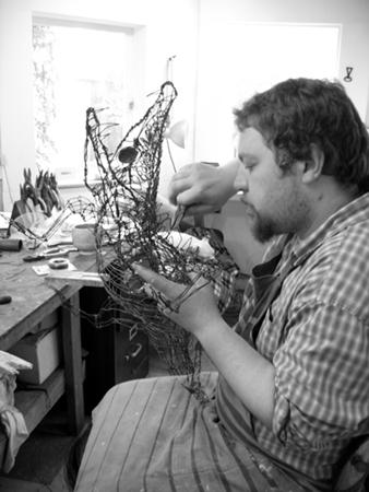 Thomas Hill wire sculptor