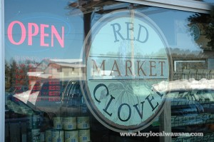 red-clover-market-sign