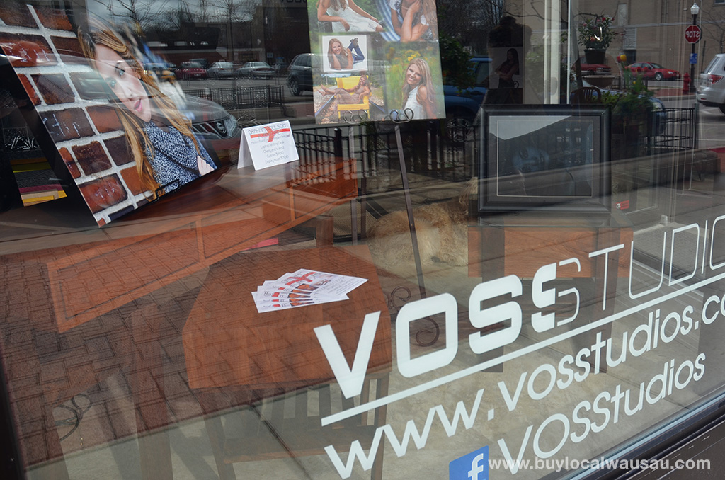Graham-Coulson-furniture-at-voss