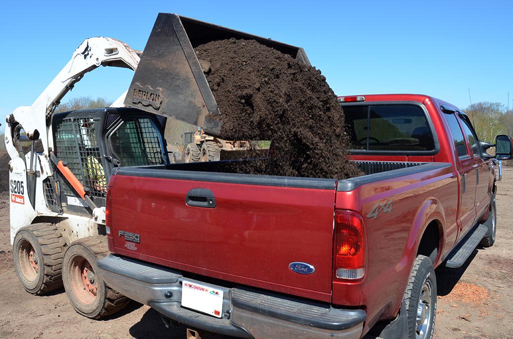 Raised-Garden-Bed-Loading-Truck