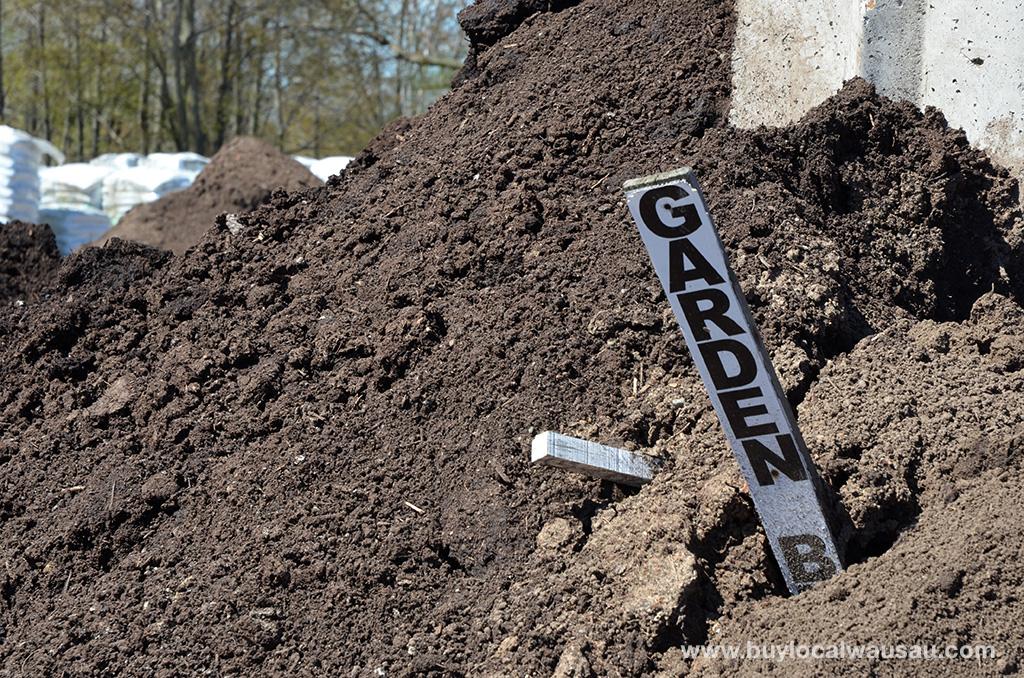 Raised-Garden-Bed-garden-blend-pile