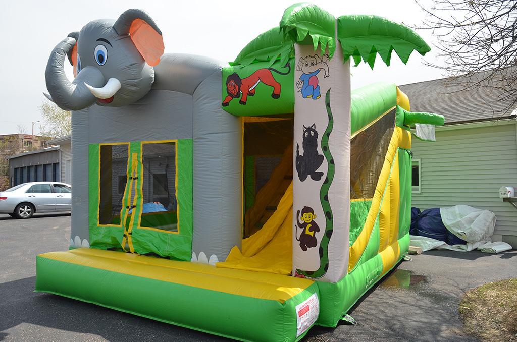 Fun4Kidz-Bouncy-House